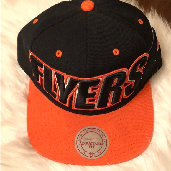 Mitchell & Ness Other - Mitchell and Ness Philadelphia Flyers Snapback Hat